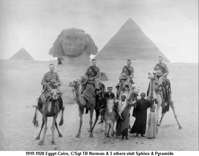 1919-1920 Egypt Cairo CSgt TB Norman & 3 others visit Sphinx & Pyramids