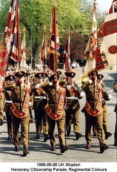 1995-05-06 UK Skipton Honorary Citizenship Parade 05 Regimental Colours